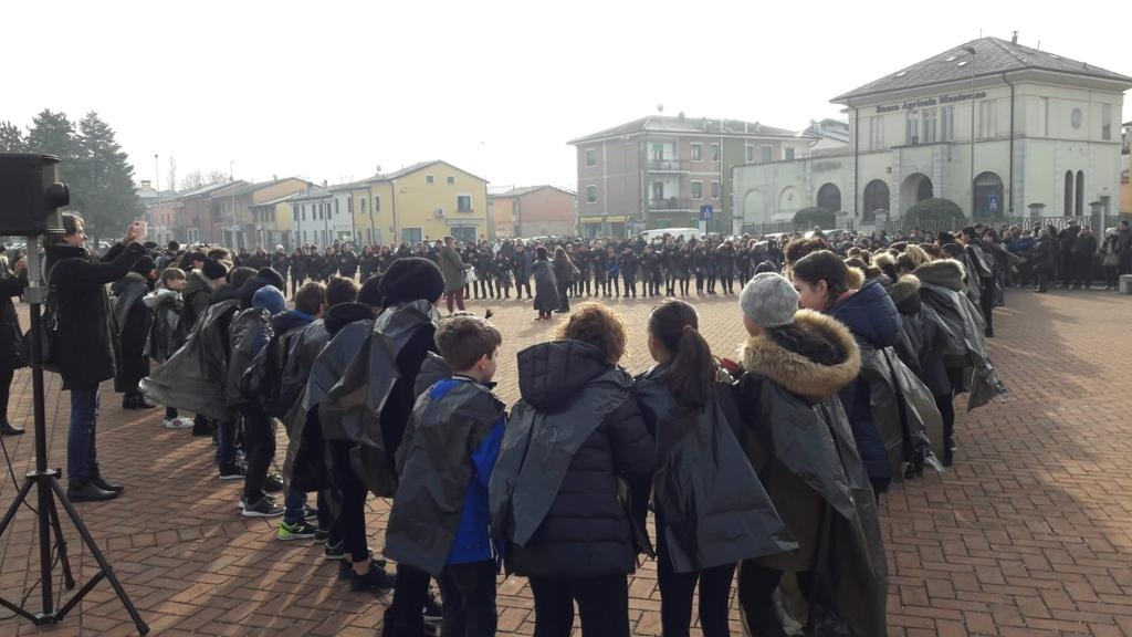 Raduno estrema destra fuori Auschwitz - Europa