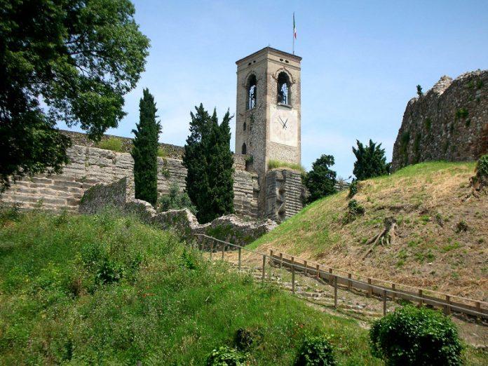 torre campanaria cavriana