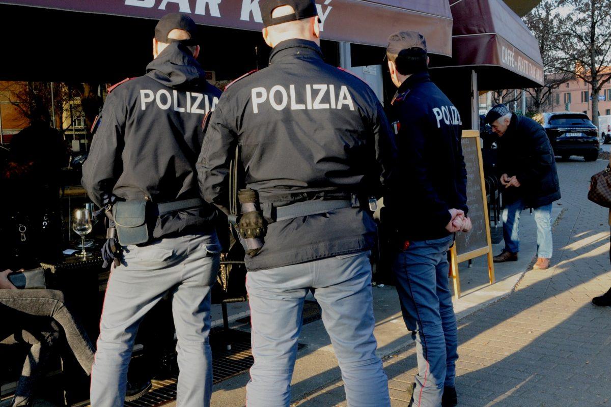 Controlli di Polizia: espulsi due stranieri | Voce Di Mantova