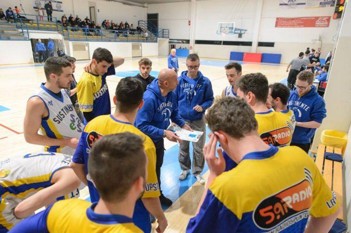 Un time out della Sesa con coach Zecchini