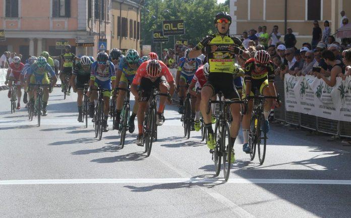Lo sprint vincente di Zambanini