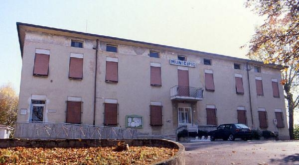 Il municipio di Castel d'Ario