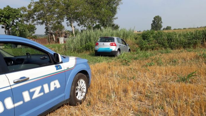 L'auto del 28enne bloccata dalla Polizia