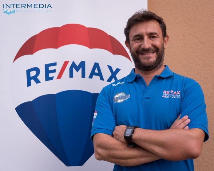 Coach Castelli