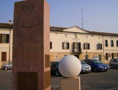 Il municipio di Magnacavallo
