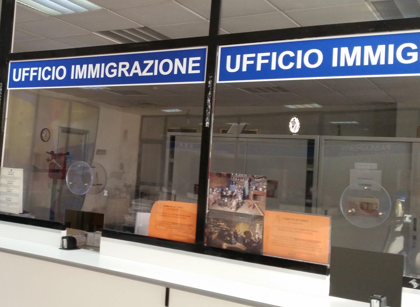 L'ufficio immigrazione della Questura chiude fino a data ...