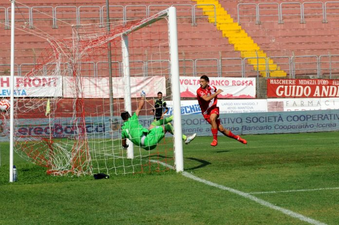 Il primo gol in campionato è di Filippo Guccione alla Calvina